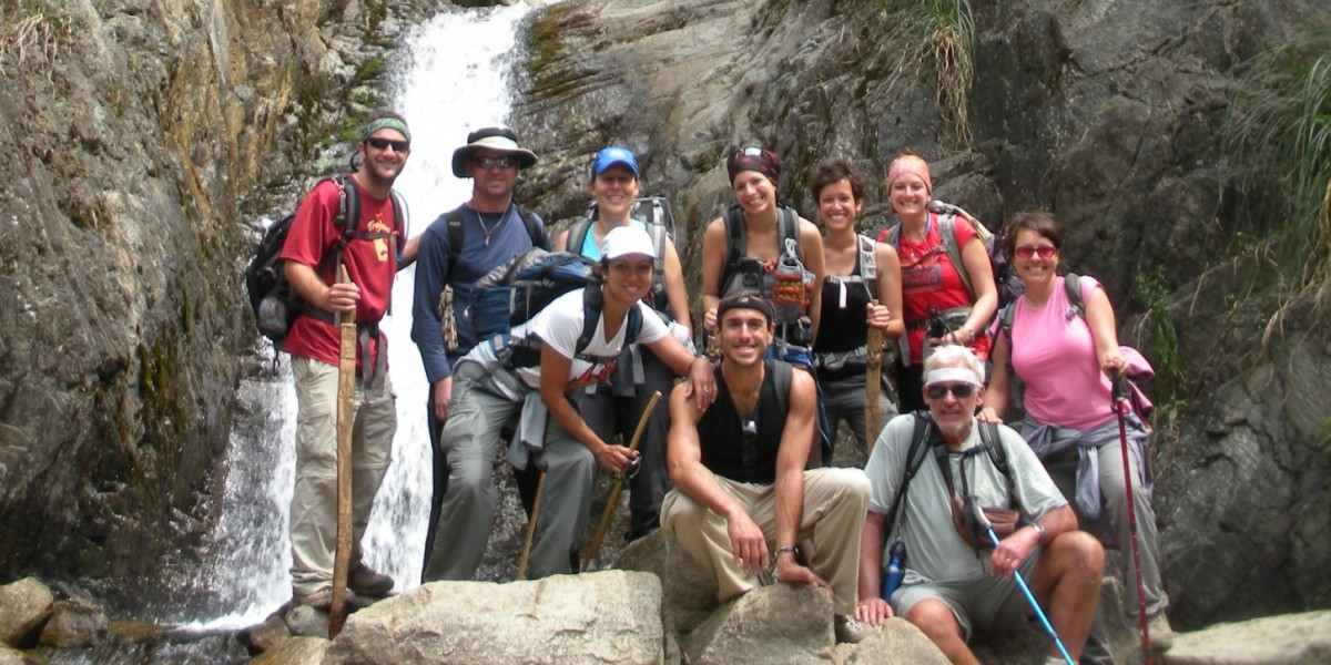 singles vacation singles hiking group in Peru